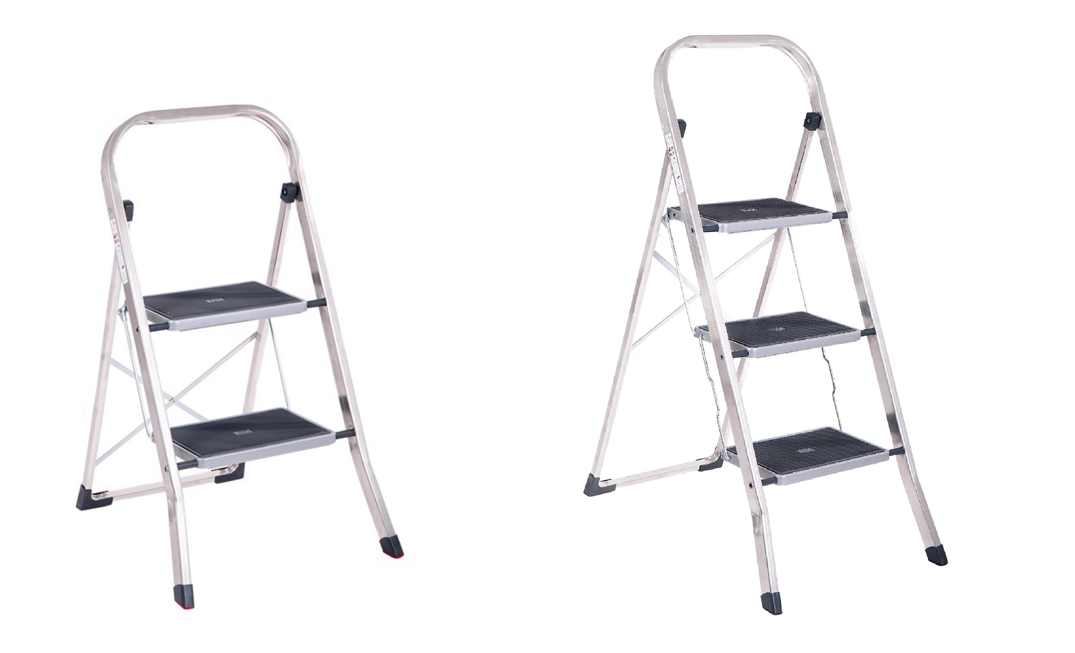alu klapp trittleiter mit 3 stufen 150kg belastbarkeit haushaltshelfer k che haushalt. Black Bedroom Furniture Sets. Home Design Ideas